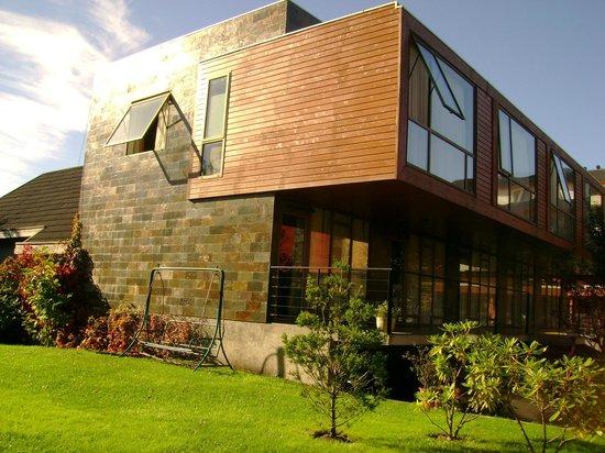 Hotel & Spa Araucarias: Foto do quarto pelo lado de fora são os dois andares
