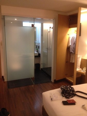 CityPoint Hotel: ホテル外見はいまいちですが部屋は綺麗