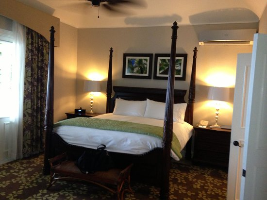 Sandals Royal Plantation: Villa bedroom