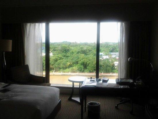 Hilton Kuching: Very large window