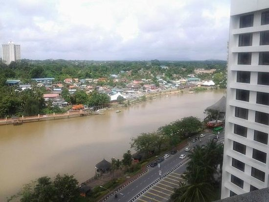 Hilton Kuching: View downriver