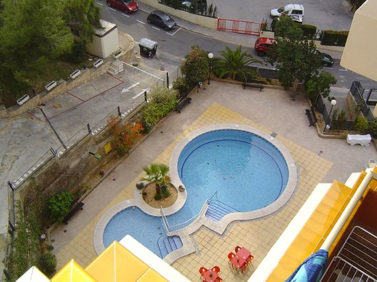 Picasso Apartments: Hotel pool
