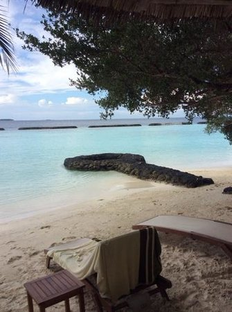 Kurumba Maldives: Beach outside deluxe room