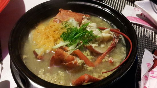Ichiba Sushi Restaurant: Lobster miso soup.  Incredible finale.