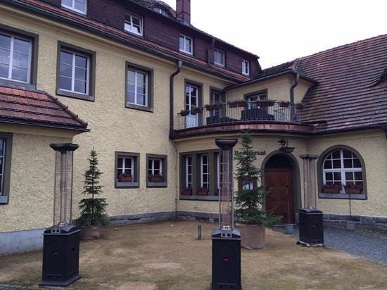 Bei Schumann: main building