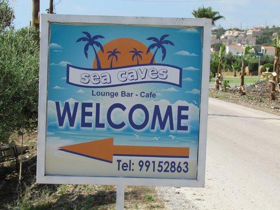 Sea Caves Taverna: Entrance