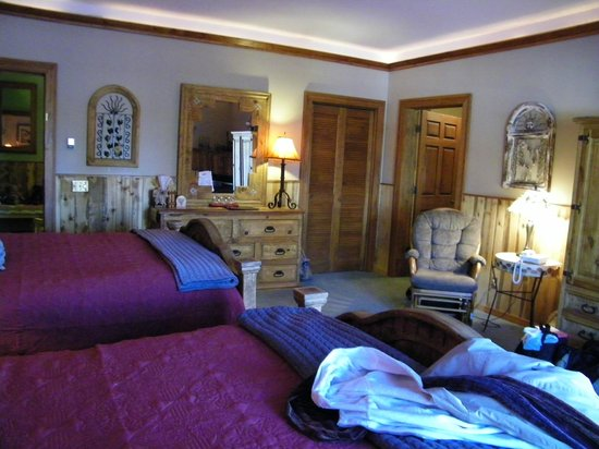 Rocky Fork Inn: Wild West Room #4
