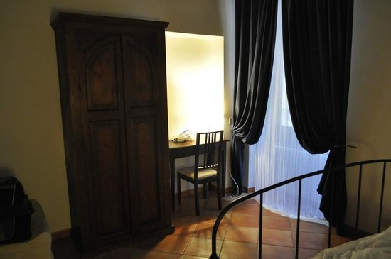 Palazzo Olivia : Armoire and Desk in Second Bedroom