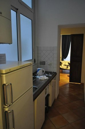 Palazzo Olivia: Kitchen and Entrance to Second Bedroom