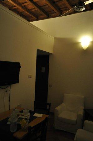 Palazzo Olivia: Lounge/Dining Area