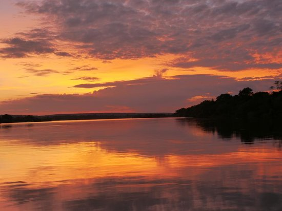 Waterberry Zambezi Lodge: Sunset on the Zambezi from Waterberry