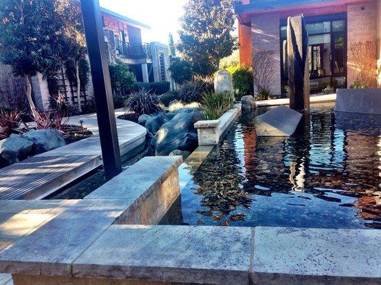 Bardessono : The beautiful courtyard!