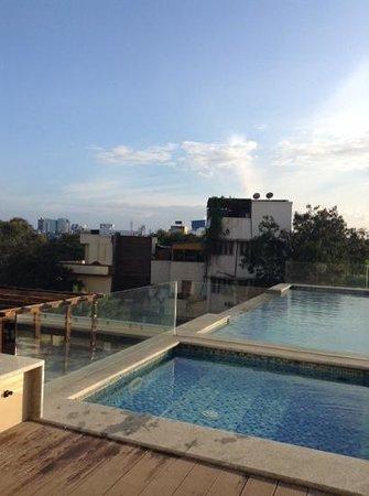 Ramada Chennai Egmore: swimming pool, chennai
