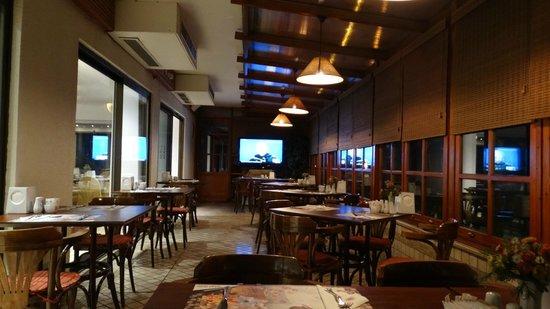 Gunes Hotel Merter: Breakfast at Güneş Hotel, Merter, İstanbul, Türkiye.
