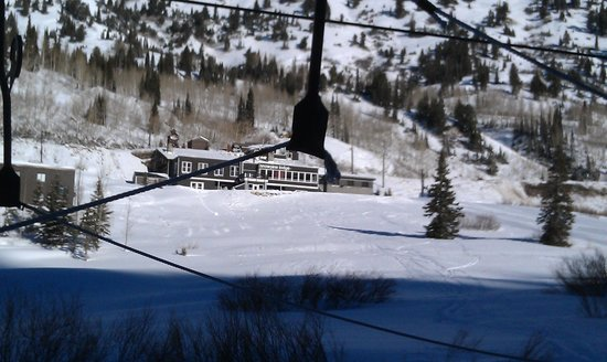 Snowpine Lodge : View from the main rope tow