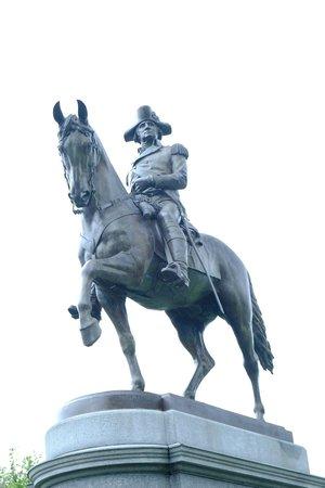 Hyatt Regency Boston : statue in park