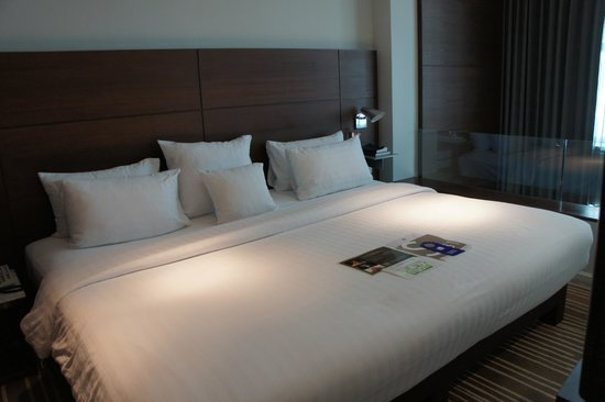 S31 Sukhumvit Hotel: View of the bedroom on second level