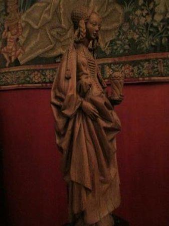 Musée de Cluny - Musée National du Moyen Âge : 木彫 マグダラのマリア(フランス語ではマリー・マドレーヌ)