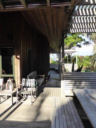 Pawhaoa Bay Lodge: Decks
