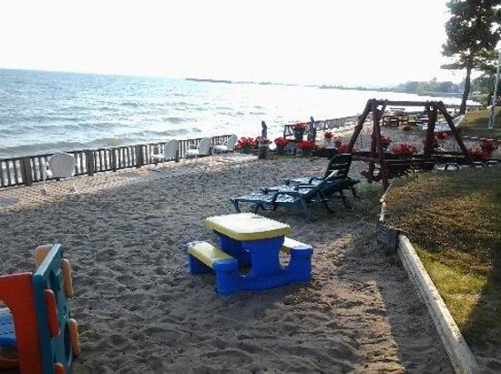 Tawas Inn &  Resort: great play area for kids