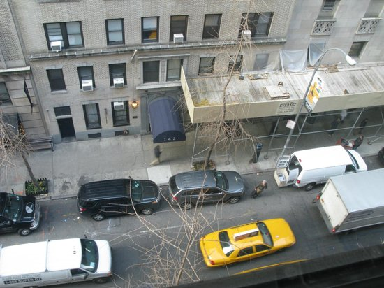 BEST WESTERN PLUS Hospitality House: View of street from room