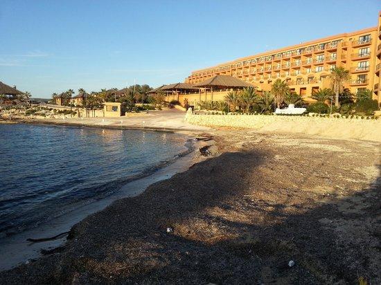 """Ramla Bay Resort : Blick aufs Hotel vom """"Stand"""" aus"""