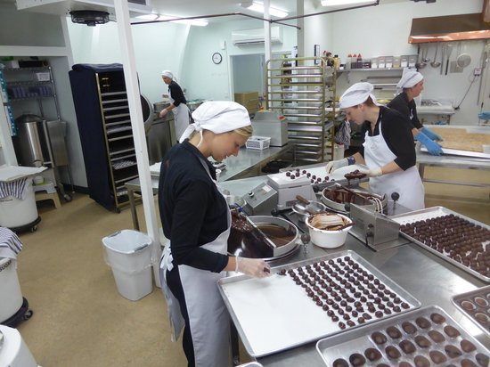 Makana Chocolate Boutique: Chocolate hands!