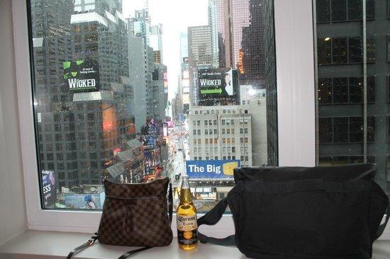 Novotel New York Times Square : вид на Тайм Сквер