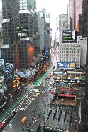 Novotel New York Times Square : Бродвей
