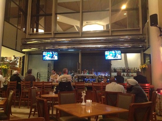 Hilton Los Angeles/Universal City: Great bar
