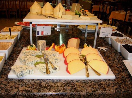 Iberostar Las Dalias: the dinner buffet on Christmas week