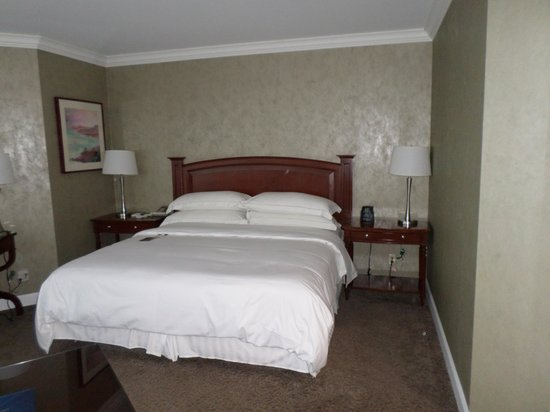 Hilton Los Angeles/Universal City: Big comfy bed