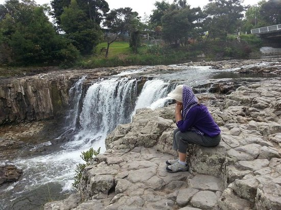 Admiral's View Lodge & Motel : Paihia is close to Haruru Falls