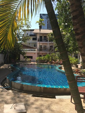 Vientiane Garden Hotel: piscine