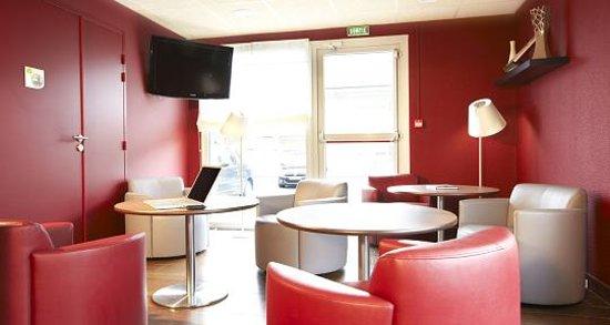 Campanile Chalon-Sur-Saone: petit salon