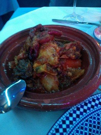 Le Nil Bleu : танжин:кус кус,три вида мясо,овощи  600руб.