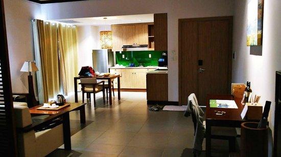 The Cliff Resort & Residences : room - kitchenette