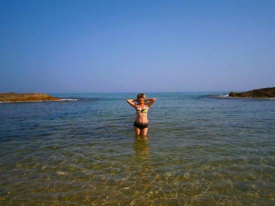 Phaedra Beach Hotel: пляж