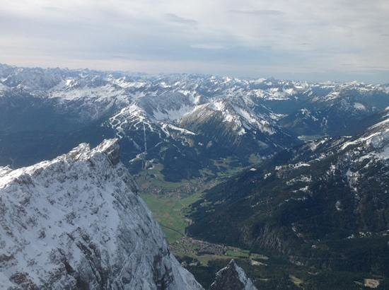 Zugspitze: the view from the top ... white across your eyes and green down there