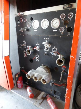 Northland Firehouse Museum : Fire appliance pump panel
