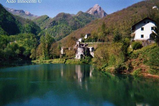 Isola Santa Lake: Il lago di Isola Santa