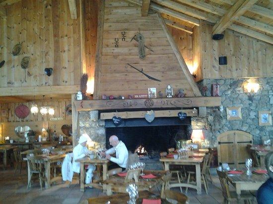 La Ferme des 3 Ours: La cheminée