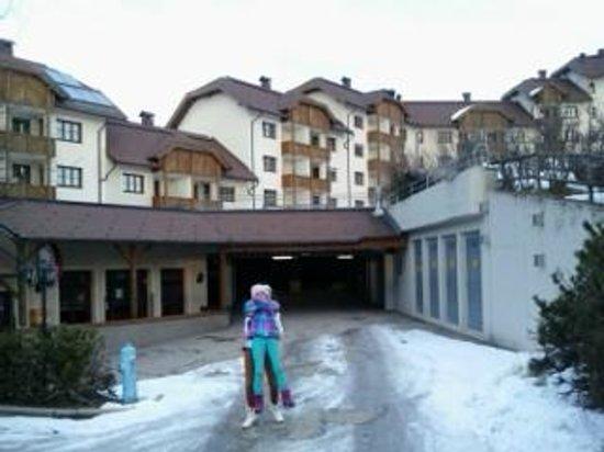 Almresort Gerlitzen Kanzelhöhe: Hotel ground