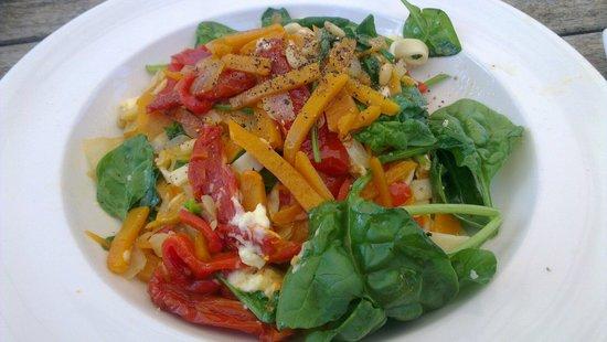 Olio Bello: Pumpkin, capsicum, spinach & feta pasta
