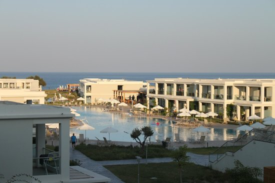 Levante Beach Resort: View from our room at nearly sunset