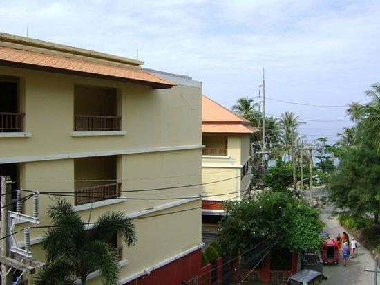 Le Tong Beach Hotel : Вид налево из номера 402