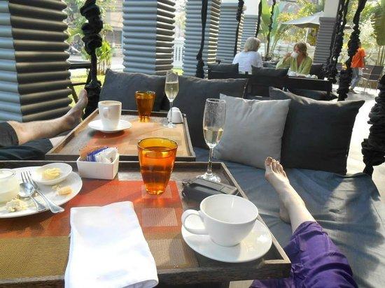 Shinta Mani Angkor: Lush breakfast beds