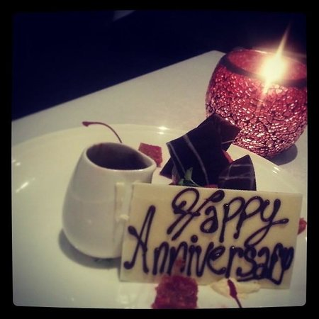 Pullman Palm Cove Sea Temple Resort & Spa: Staff remembered our anniversary