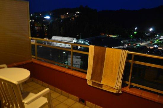 Hotel Continental: Балкон номера