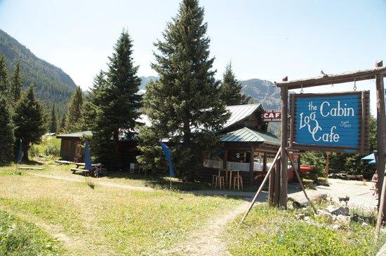 Log Cabin Cafe Bed And Breakfast: Log Cabin Cafe